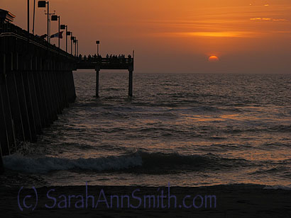 After class Tuesday, my host Betty Jordt took me to Sharky's on the pier for supper.  Shrimp and a sunset---perfect!