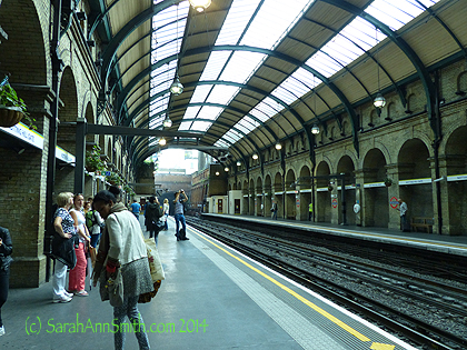 Then back to the hotel to collapse!  Time for a good night's sleep before a long and happy Tuesday. I took this picture of Notting Hill station (remember the movie with Hugh Grant?  Yep, that Notting Hill, which is a district in London not far from our Tube stop).