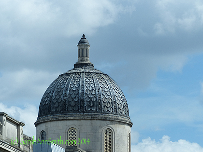 And take a look at the design work on that dome.  What a great quilting pattern or background design!