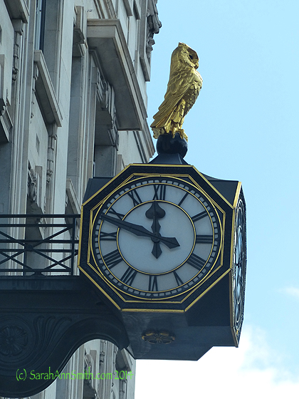 And for my friend Jacquie who loves owls, this clock on a building on Fleet Street.